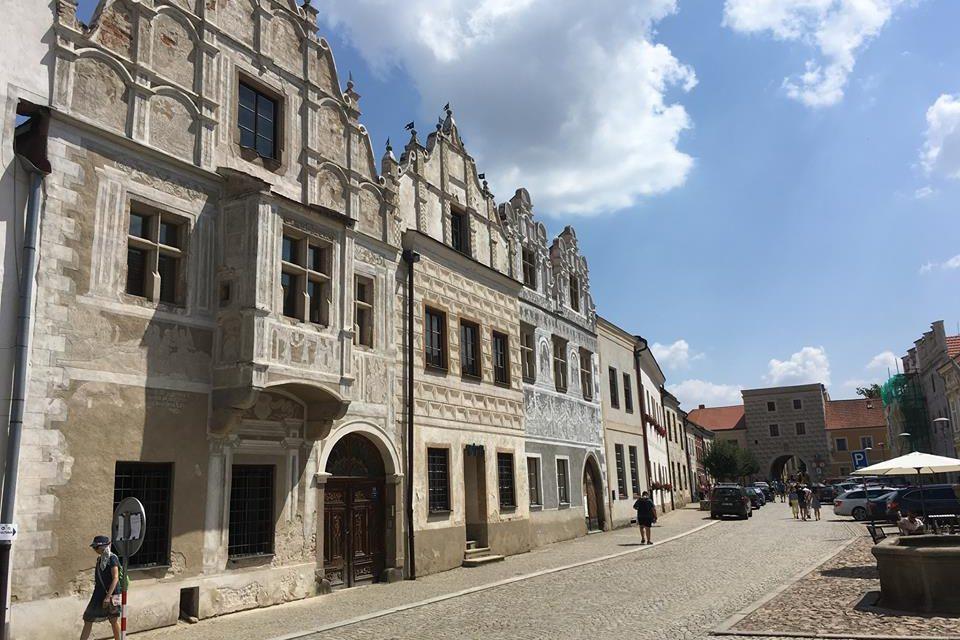 Slavonické dvorky
